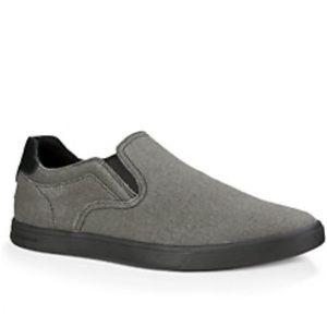 Ugg Tobin Canvas in black slip on shoes